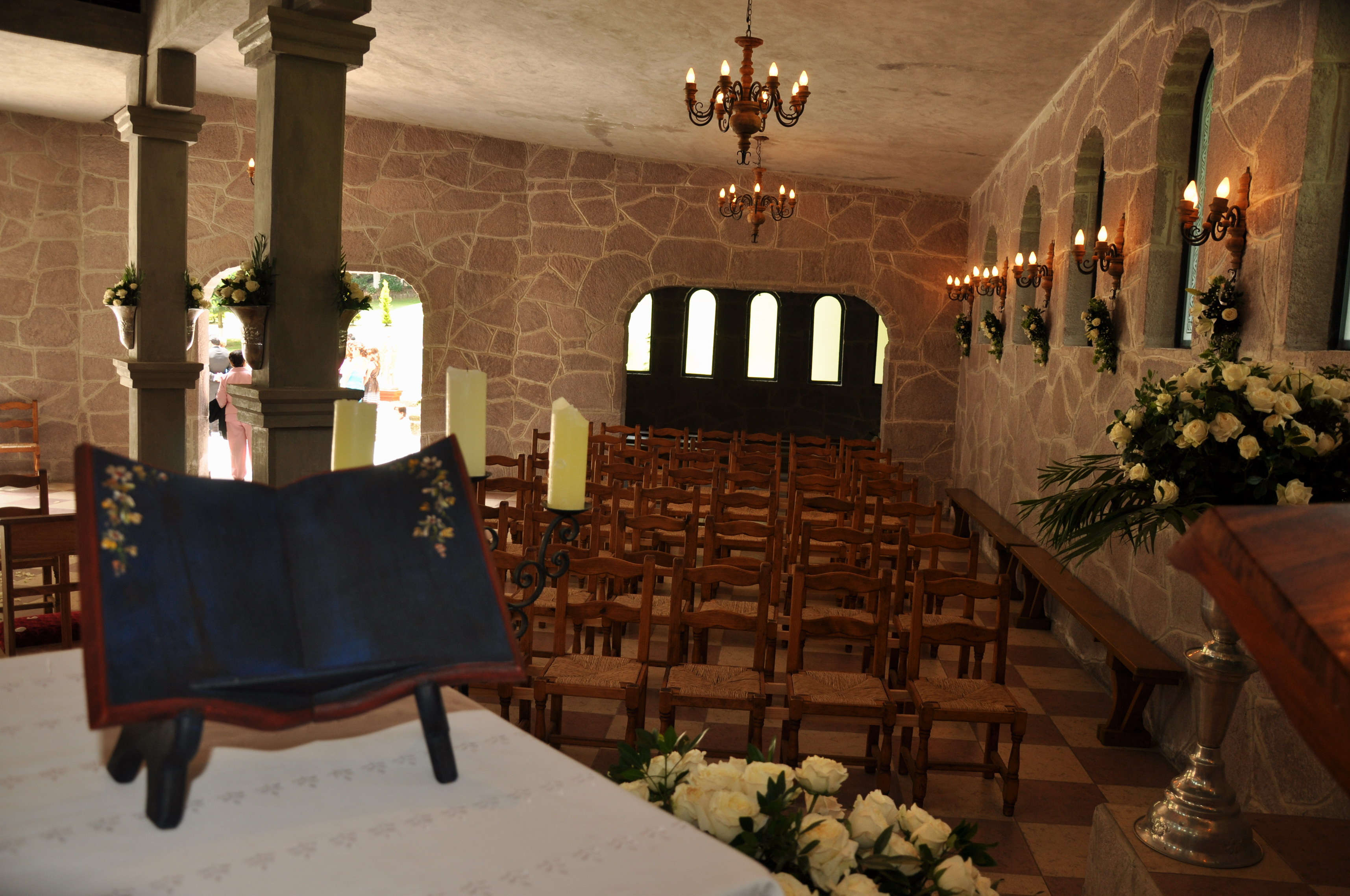 ceremonias de todo tipo de religión o culto